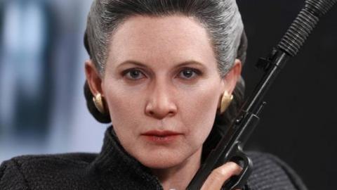 Star Wars IX Leak Teases Leia Wielding A Lightsaber