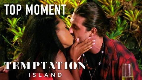 Erica Kisses Jesse And Kendal Gets Intimate With Alexcys | Temptation Island | USA Network