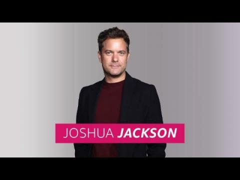 """How Joshua Jackson's Co-Stars and Tighty Whities Fuel """"Little Fires Everywhere"""""""